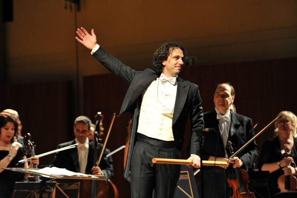 Francesco Lanzillotta Conductor