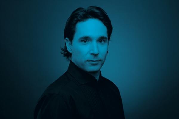 Henrik Nánási Conductor