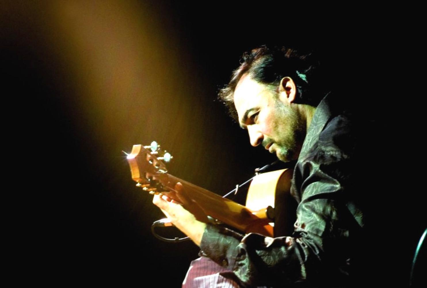 Juan Lorenzo playing the flamenco guitar